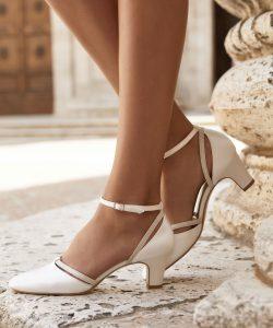 AVALIA-shoes_Campaign_LUNA