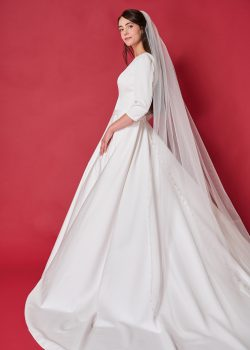 Eigen ontwerp Prinses Bruidsmode, Demetra